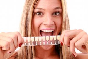 escala dientes amarillos