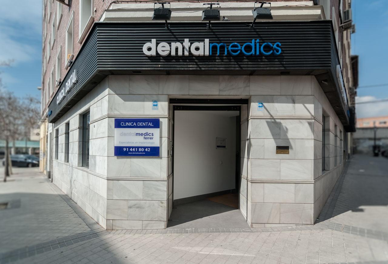 clinica dental en Chamberí especialista en implantes dentales