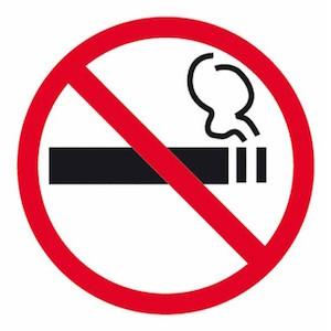 se recomienda no fumar durante un blanqueamiento dental